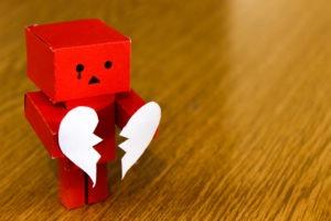 Roboterjournalismus: Maschinen texten schnelle News, Menschen schaffen Emotionen.