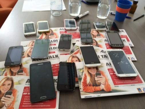 15 Smartphones für WhatsCook im Einsatz